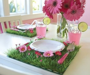 Daisy & Grass Placemats - Party Table Decorations