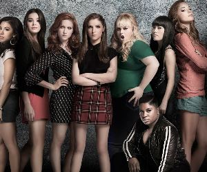 pitch perfect 2 movie cast poster